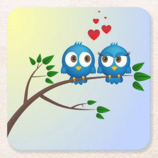 Niedliche blaue Vögel im Liebe-Cartoon Rechteckiger Pappuntersetzer