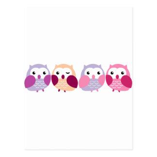 Niedliche bunte Eulen - rosa und lila Pastelle Postkarte