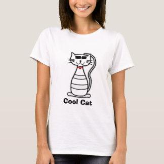 Niedliche Cartoonkatze der coolen Katze mit T-Shirt