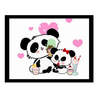 Niedliche Cartoonpandas des Pandabärn-Picknicks Postkarte