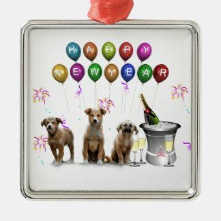 Niedliche drei Hunde, die glückliches neues Jahr Silbernes Ornament