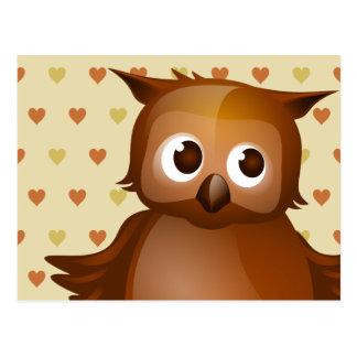 Niedliche Eule auf beige Herz-Muster-Hintergrund Postkarte
