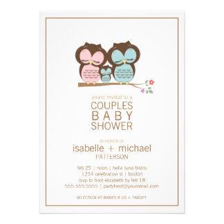 Niedliche Eulen-Familie verbindet Einladungskarte