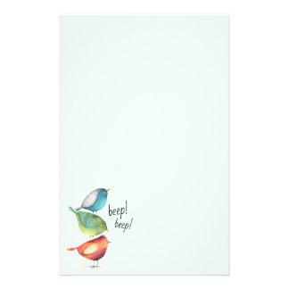 Niedliche fette Vögel stehend auf einander Briefpapier