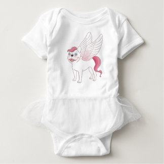 Niedliche französische Bulldogge Pegasus in der Baby Strampler