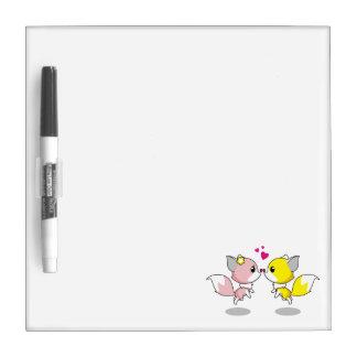 Niedliche Füchse in den Liebe-Cartoonmädchen Trockenlöschtafel