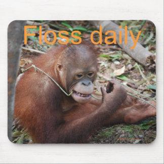 Niedliche Glasschlacke Ihre Zähne Tier Mousepad