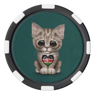 Niedliche Kätzchen-Katze mit dem Poker Chips