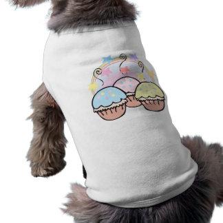 niedliche kleine Kuchen und Sterne Shirt