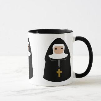 Niedliche kleine Nonnen Tasse