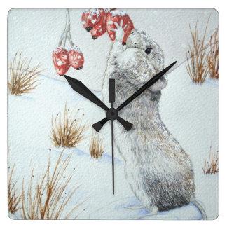 Niedliche Mäuserote Beerenschneeszenen-Tierkunst Quadratische Wanduhr