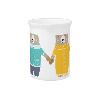 Niedliche Paare der glücklichen Bären Krug