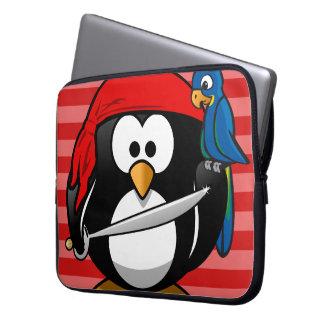 Niedliche Penguin-Piraten-Notizbuch-Hülse Laptop Sleeve