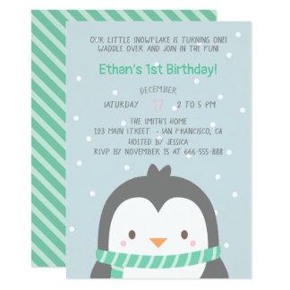 Niedliche Penguin-und Schal-Geburtstags-Party Karte