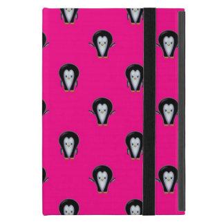 Niedliche Penguins auf heißem Rosa iPad Mini Etui