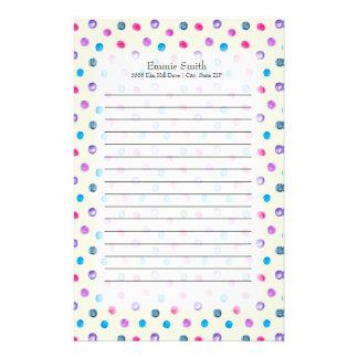 Niedliche personalisierte rosa lila blaue Punkte Briefpapier