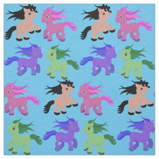 Niedliche Pferde auf irgendeinem Farbhintergrund Stoff