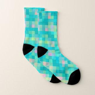NIEDLICHE Pixel-Kunst-Mehrfarbenmuster Socken
