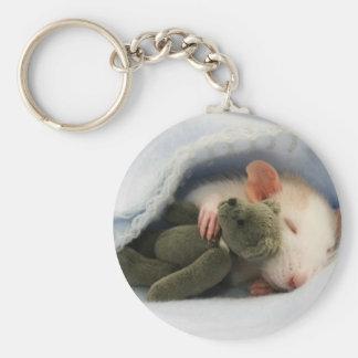 niedliche Ratte, die mit Teddy schläft Schlüsselanhänger