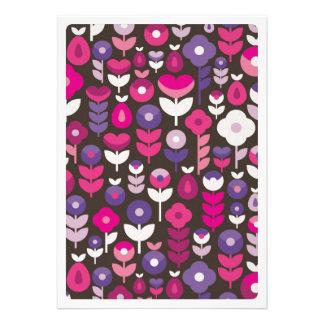 Niedliche retro Blumenblüten-Einladungskarte