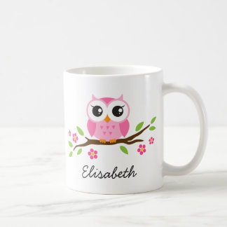 Niedliche rosa Eule auf personalisiertem Namen der Kaffee Haferl