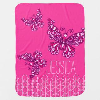 Niedliche rosa Mädchen nannten Schmetterlinge Babydecken