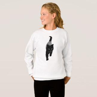 Niedliche schwarze Katze im weißen Schnee Girly Sweatshirt