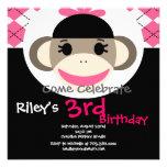 Niedliche Socken-Affe-Geburtstags-Einladungs-rosa Einladung