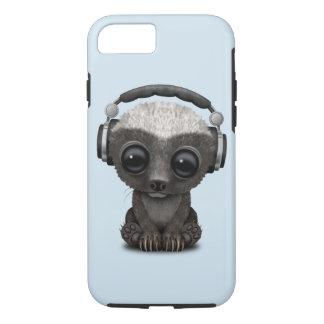 Niedliche tragende Kopfhörer Baby-Honig-Dachs-DJ iPhone 8/7 Hülle