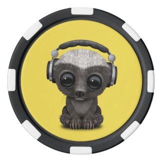 Niedliche tragende Kopfhörer Baby-Honig-Dachs-DJ Poker Chips