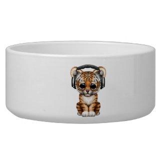 Niedliche tragende Kopfhörer Tiger-CUBs Napf