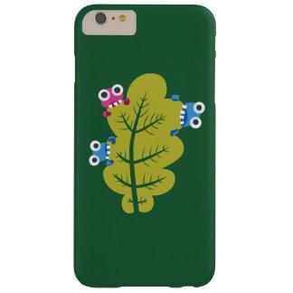 Niedliche Wanzen essen grünes Blatt Barely There iPhone 6 Plus Hülle