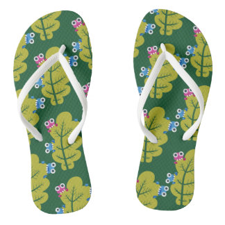 Niedliche Wanzen essen grünes Blatt Flip Flops