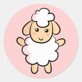 Niedliche weiße Cartoon-Schafe mit rosa Runder Aufkleber