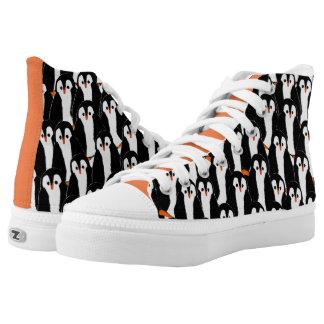 Niedliche wunderliche Stapel von Penguins Hoch-geschnittene Sneaker
