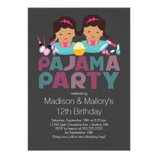 Niedliche ZWILLINGE Tween-Pyjama-Geburtstags-Party Individuelle Ankündigung