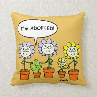 Niedlicher adoptierter kissen