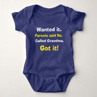 Niedlicher Anruf-Großmutter-Baby-Bodysuit Baby Strampler
