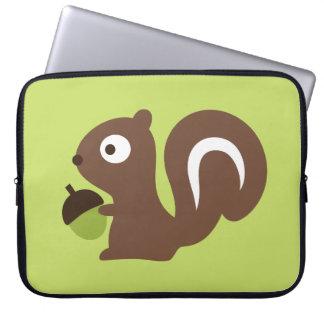 Niedlicher Baby-Eichhörnchen-Entwurf Laptopschutzhülle