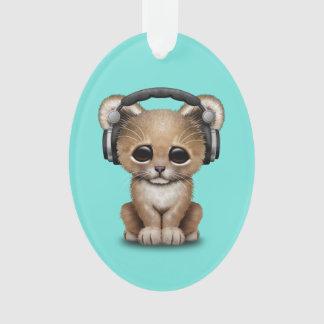 Niedlicher Baby-Löwe-tragende Kopfhörer Ornament