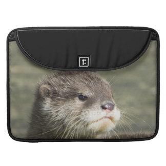 Niedlicher Baby-Otter MacBook Pro Sleeve