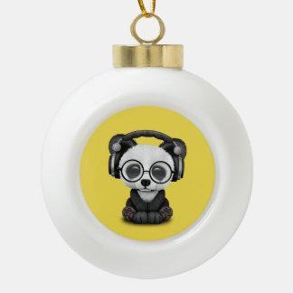 Niedlicher Baby-Panda-tragende Kopfhörer Keramik Kugel-Ornament