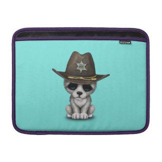 Niedlicher Baby-Wolf-Sheriff MacBook Sleeve