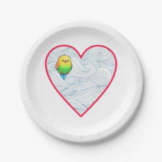 Niedlicher Babyvogel auf süßem rotem Herzen Pappteller