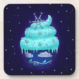 Niedlicher blauer Cupcake mit Schneeflocke Untersetzer