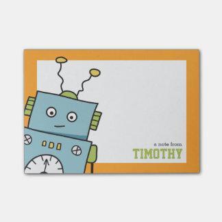 Niedlicher blauer Roboter mit personalisiertem Post-it Haftnotiz
