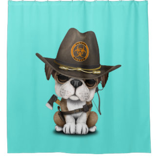 Niedlicher Bulldoggen-Welpen-Zombie-Jäger Duschvorhang