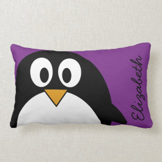 niedlicher Cartoon Penguin lila Lendenkissen