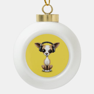 Niedlicher Chihuahua-Welpen-tragende Kopfhörer Keramik Kugel-Ornament