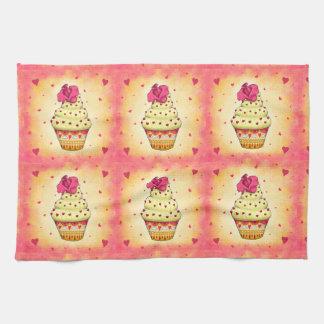 Niedlicher gelb und rosa Cupcake mit Rose und Herz Geschirrtuch